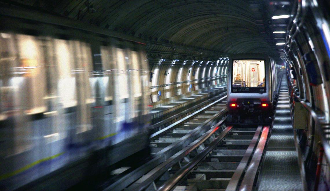 Treni nella Metropolitana Torino